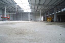 wnętrze hali 3 - hala produkcyjna z częścią socjalną, dla Marva International, Poznań, woj. wielkopolskie