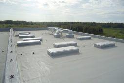 dach hali - hala produkcyjna z budynkiem biurowym, dla Uniservice, Skarbimierz, woj. Opolskie