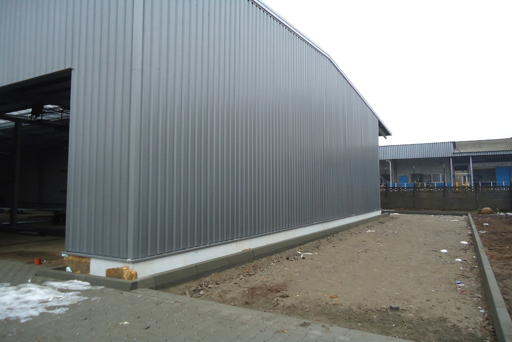 ściana hali - hala produkcyjna z częścią socjalno-biurową, dla Danmar, Łódź, woj. łódzkie