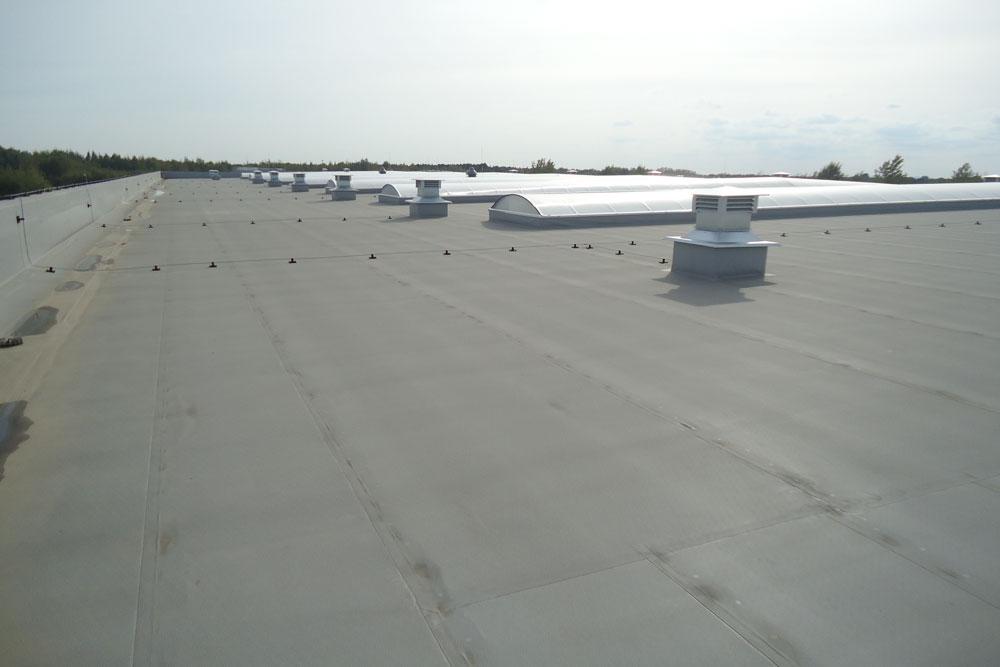dach hali 2 - hala produkcyjna z budynkiem biurowym, dla Uniservice, Skarbimierz, woj. Opolskie