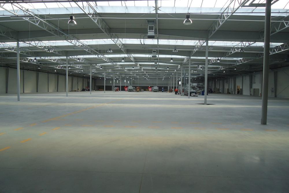 wnętrze 1 - hala produkcyjna z budynkiem biurowym, dla Uniservice, Skarbimierz, woj. Opolskie
