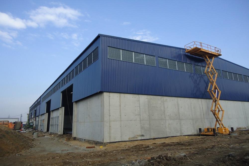 widok ogólny obiektu w trakcie budowy 1 - hala magazynowa, dla Van Gansewinkel, Kraków, woj. małopolskie