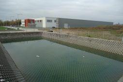 bezodpływowy zbiornik wód opadowych - hala produkcyjna z budynkiem biurowym, dla Uniservice, Skarbimierz
