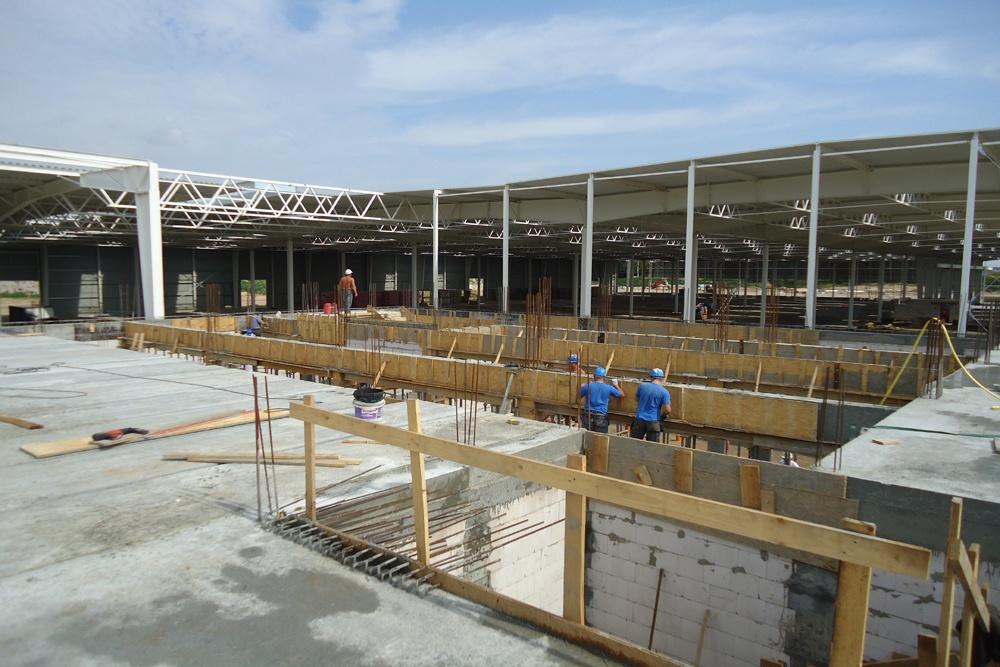 wznoszenie budynku biurowego - hala produkcyjna z budynkiem biurowym, dla Adams, Mrągowo, woj. warmińsko-mazurskie