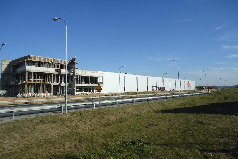 budowa budynku biurowego przy hali - hala produkcyjna z budynkiem biurowym, dla Adams, Mrągowo