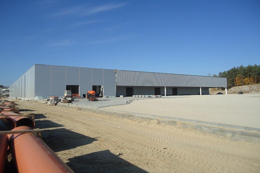 ściana tylna hali - hala produkcyjna z budynkiem biurowym, dla Adams, Mrągowo, woj. warmińsko-mazurskie