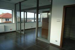 pomieszczenie w części biurowej - sortownia i przechowalnia owoców z częścią biurową, dla Gaik, Witalówka