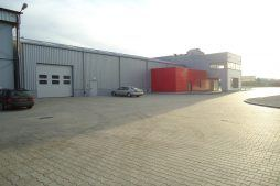 plac przed halą - sortownia i przechowalnia owoców z częścią biurową, dla Gaik, Witalówka