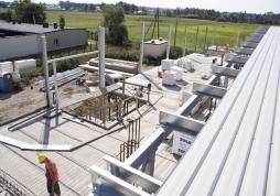 widok konstrukcji stalowej dachu - hala produkcyjno-magazynowa, dla Addit, Węgrów, woj. mazowieckie