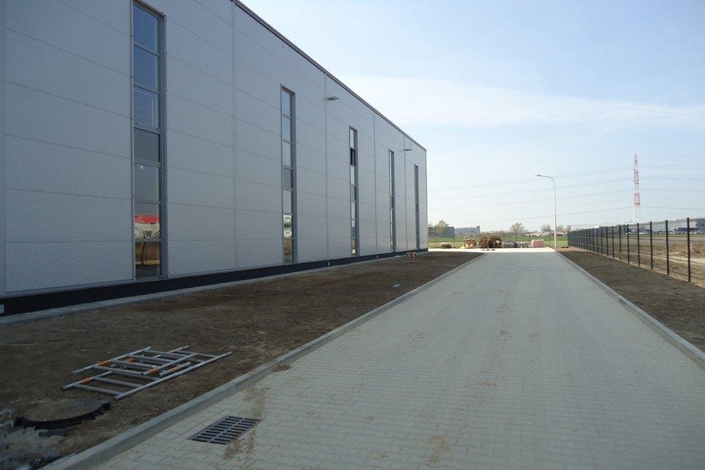 ściana boczna 2 - hala handlowa, dla Koopman International, Komorniki, woj. wielkopolskie