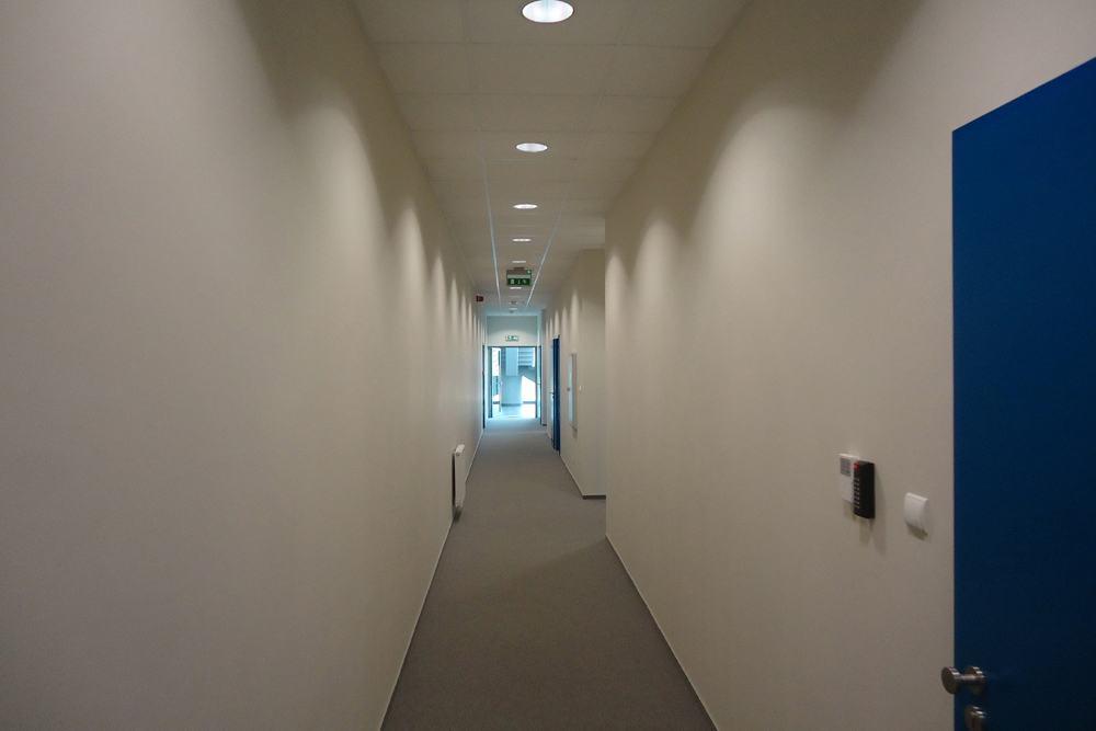 korytarz 2 - hala handlowa, dla Koopman International, Komorniki, woj. wielkopolskie