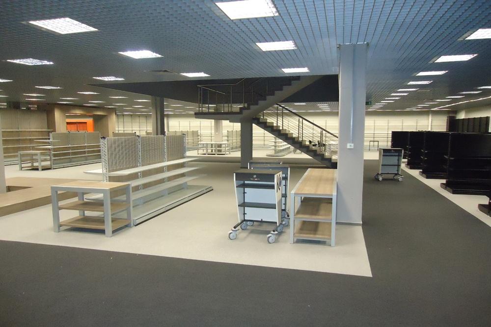 wykończenie pomieszczeń handlowych 3 - hala handlowa, dla Koopman International, Komorniki, woj. wielkopolskie
