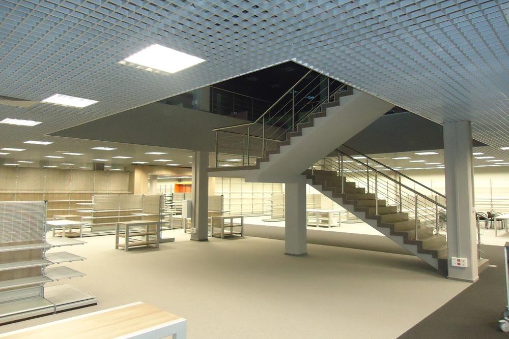 schody - hala handlowa, dla Koopman International, Komorniki, woj. wielkopolskie