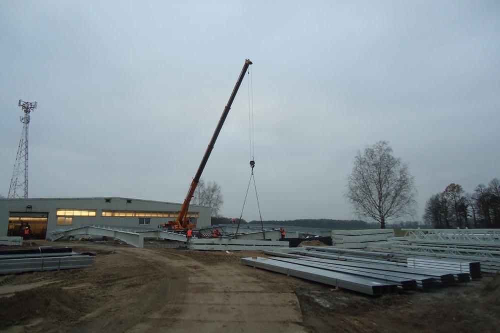 wznoszenie konstrukcji stalowej - hala produkcyjna, dla Rotox, Pokój, woj. opolskie