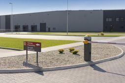 widok ogólny 2 - hala produkcyjna z częścią biurową, dla Dinopol, Ostró Wlkp., woj. wielkopolskie