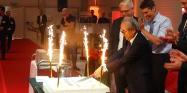 Uroczyste krojenie tortu-otwarcie zakładu produkcyjnego Sam Dong, Kostrzyn nad Odrą