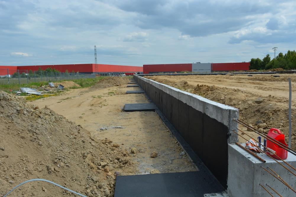 fragment ściany fundamentowej - ścian konstrukcyjnych - hala magazynowa, dla DKS, Kowale