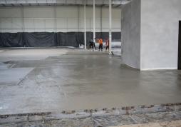 betonowanie posadzki - hala magazynowa dla firmy DKS, Kowale, woj. pomorskie