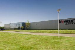 elewacja frontowa 1 - hala produkcyjna z budynkiem biurowym, dla Blyweert Aluminium, Czosnów, woj. mazowieckie