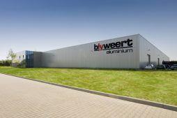 ściana frontowa - hala produkcyjna z budynkiem biurowym, dla Blyweert Aluminium, Czosnów, woj. mazowieckie