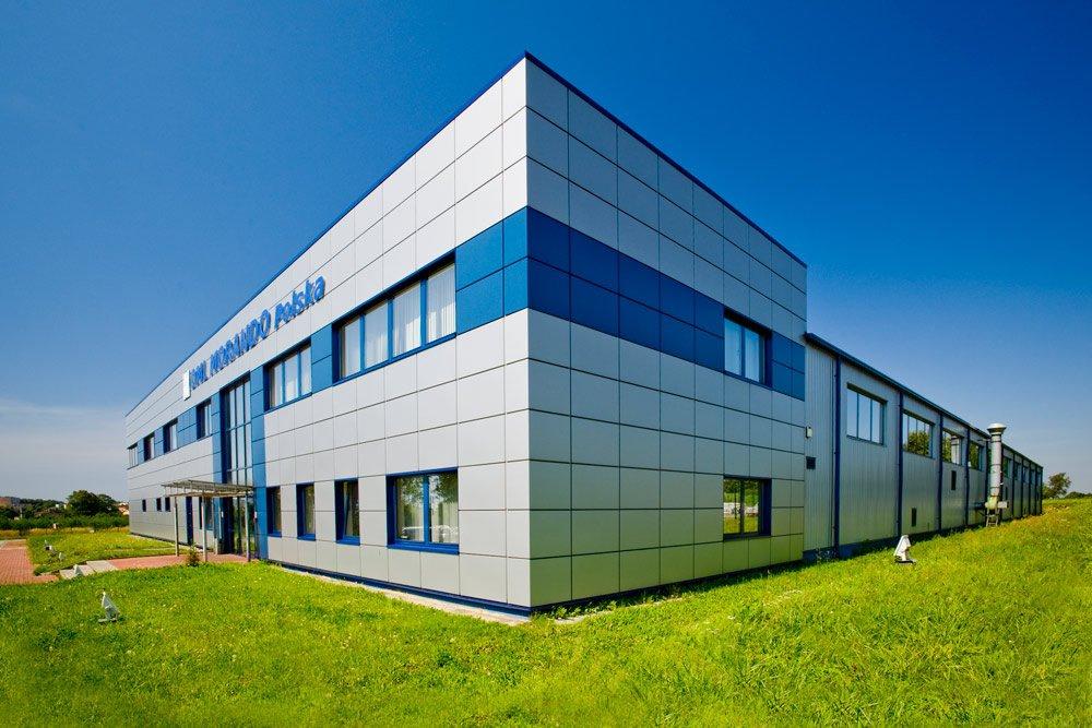 ściana boczna i frontowa - hala produkcyjna z budynkiem biurowym, dla OML Morando, Czerwionka-Leszczyny