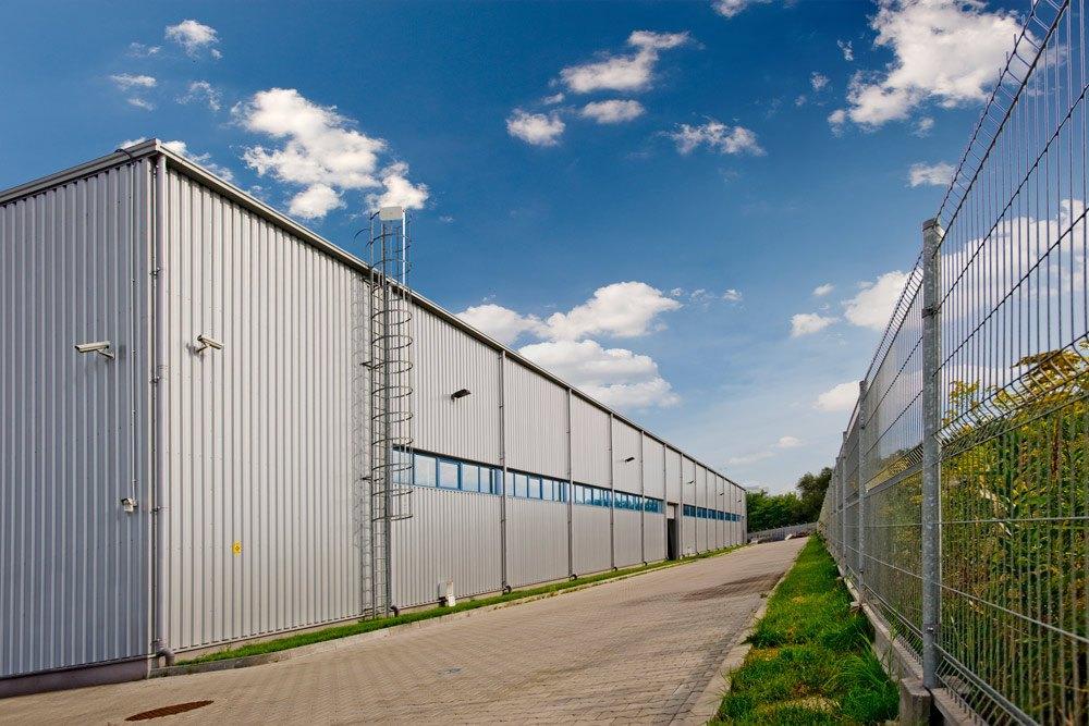 elewacja boczna - hala produkcyjno-magazynowa z częścią biurową, dla Glass Produkt, Pyskowice, woj. śląskie