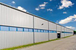 ściana boczna 1 - hala produkcyjno-magazynowa z częścią biurową, dla Glass Produkt, Pyskowice, woj. śląskie
