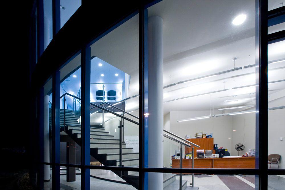 zdjęcie wnętrza - hala produkcyjno-magazynowa z częścią biurową, dla Glass Produkt, Pyskowice, woj. śląskie