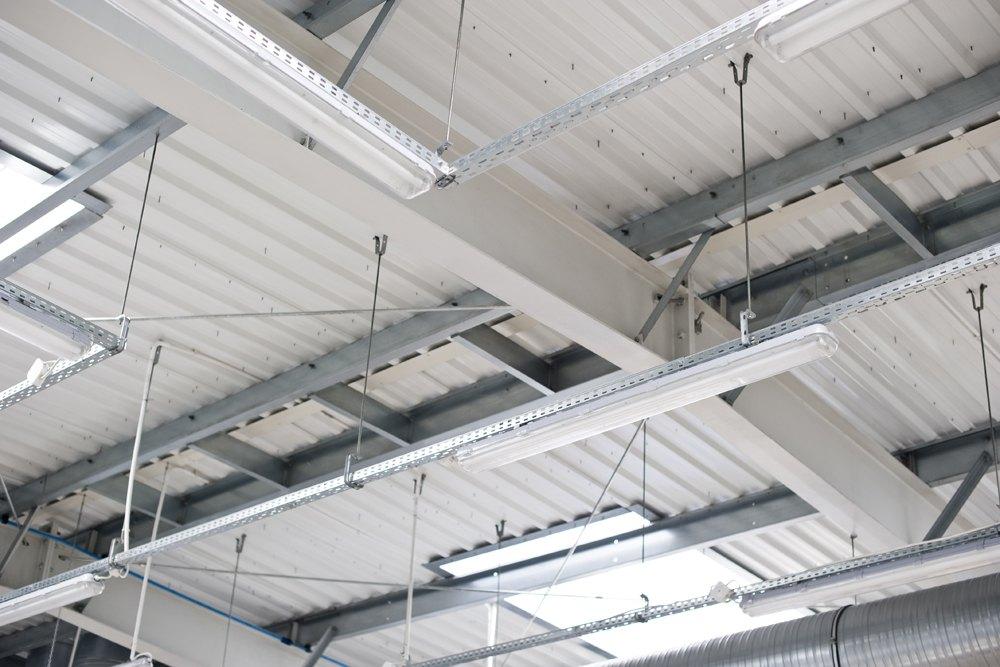 instalacje na hali 1 - hala blacharni i lakierni, dla Aves, Zduńska Wola, woj. łódzkie