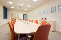 sala konferencyjna 1 - hala produkcyjno-magazynowa z budynkiem biurowym, dla Promens, Międzyrzecz, woj. lubuskie