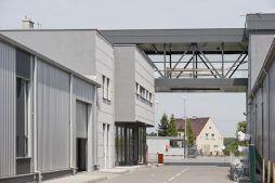 łącznik 1 - hala produkcyjna z budynkiem biurowym, dla Eurocolor, Pyskowice, woj. śląskie