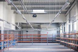 wnętrze hali 6 - hala produkcyjno-magazynowa, dla Mardom, Lipniki Stare, woj. mazowieckie