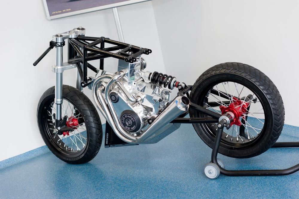 motocykl studialny - hala produkcyjna z częścią biurową, dla GG Tech, Piątek, woj. łódzkie