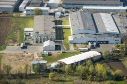 widok z lotu ptaka - hala produkcyjna z zapleczem biurowym, dla Korona SA, Wieluń, woj. łódzkie