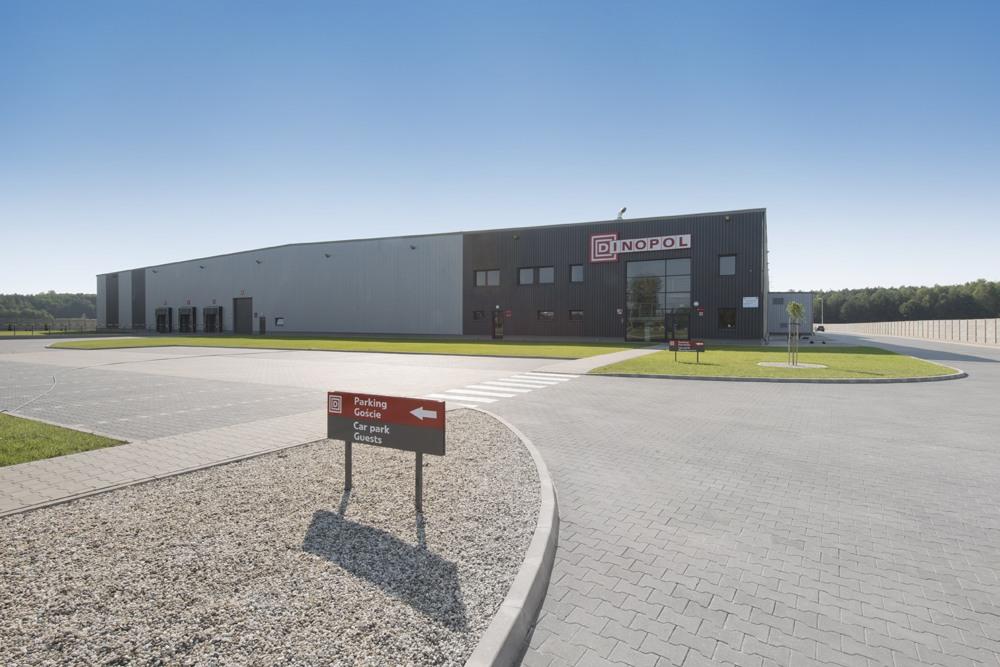 widok ogólny 4 - hala produkcyjna z częścią biurową, dla Dinopol, Ostró Wlkp., woj. wielkopolskie