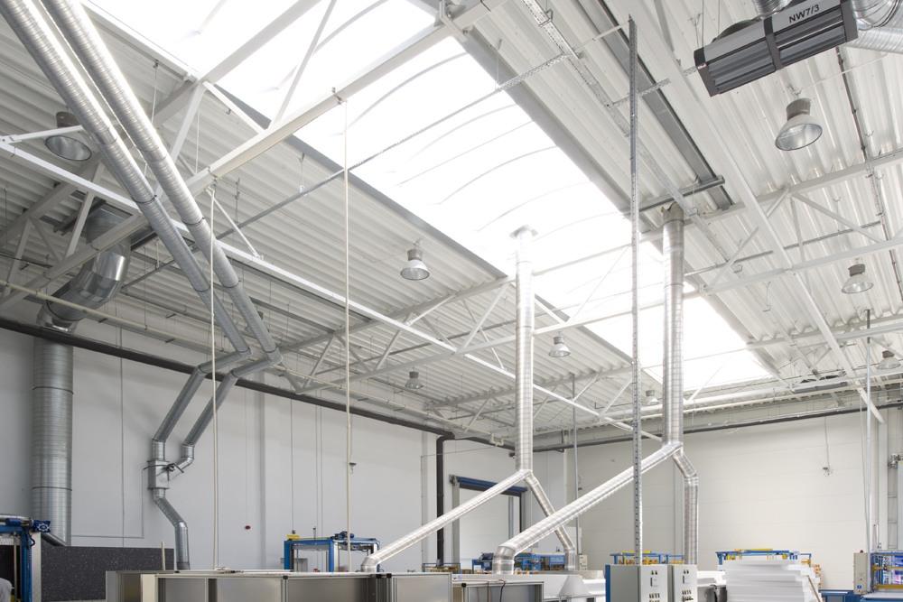 świetliki dachowe - hala produkcyjna z częścią biurową, dla Arsanit, Konin, woj. wielkopolskie