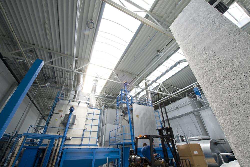 wnętrze budynku - hala produkcyjna z częścią biurową, dla Arsanit, Konin, woj. wielkopolskie