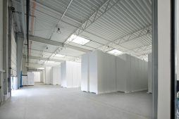 wnętrze obiektu - hala produkcyjna z częścią biurową, dla Arsanit, Konin, woj. wielkopolskie