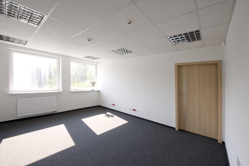 pomieszczenie biurowe - hala produkcyjna z częścią biurową, dla Arsanit, Konin, woj. wielkopolskie