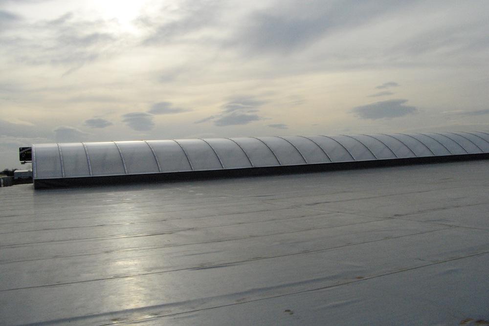 świetlik dachowy - hala warsztatowo-magazynowa z częścią biurową, dla BAC Investment, Nowa Wieś Wrocławska
