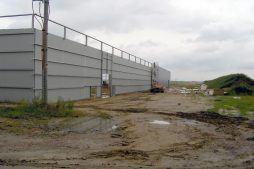 wznoszenie hali stalowej - hala produkcyjna z częścią socjalną, dla Fadome, Złotniki, woj. opolskie