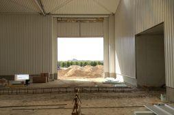 wnętrze w trakcie budowy - sortownia i przechowalnia owoców z częścią biurową, dla Gaik, Witalówka