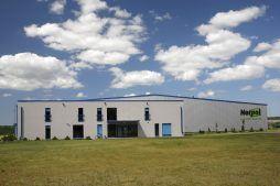 elewacja frontowa - hala produkcyjno-magazynowa z budynkiem biurowym, dla Norpol, Łozienica, woj. zachodniopomorskie