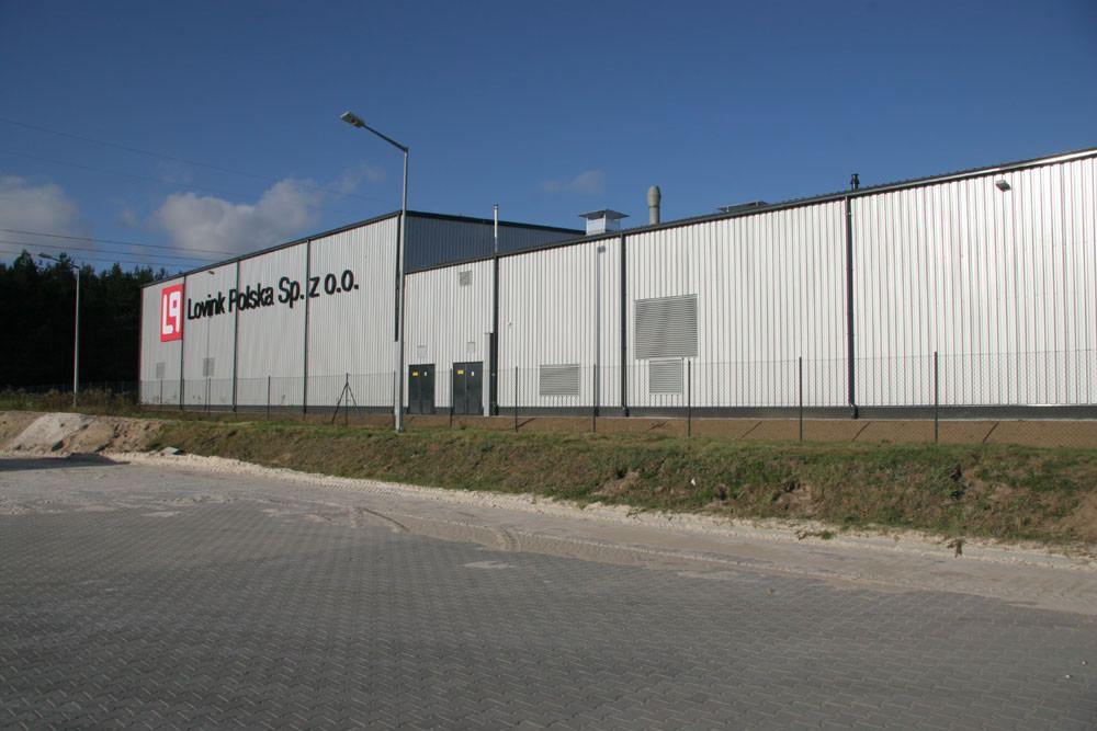 ściana boczna - hala produkcyjno-magazynowa z częścią biurową, dla Lovink, Wykroty, woj. dolnośląskie