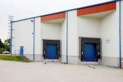zbliżenie na stacje dokujące - centrum logistyczne z budynkiem biurowym, dla Schavemaker, Kąty Wrocławskie