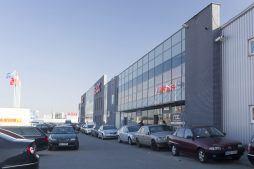 ściana frontowa 1 - hala handlowa, dla EACC Investments, Wólka Kosowska, woj. mazowieckie