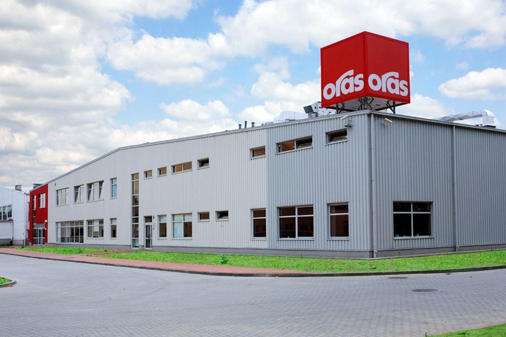 widok ogólny - hala produkcyjna z częścią biurową, dla Oras, Olesno, woj. opolskie