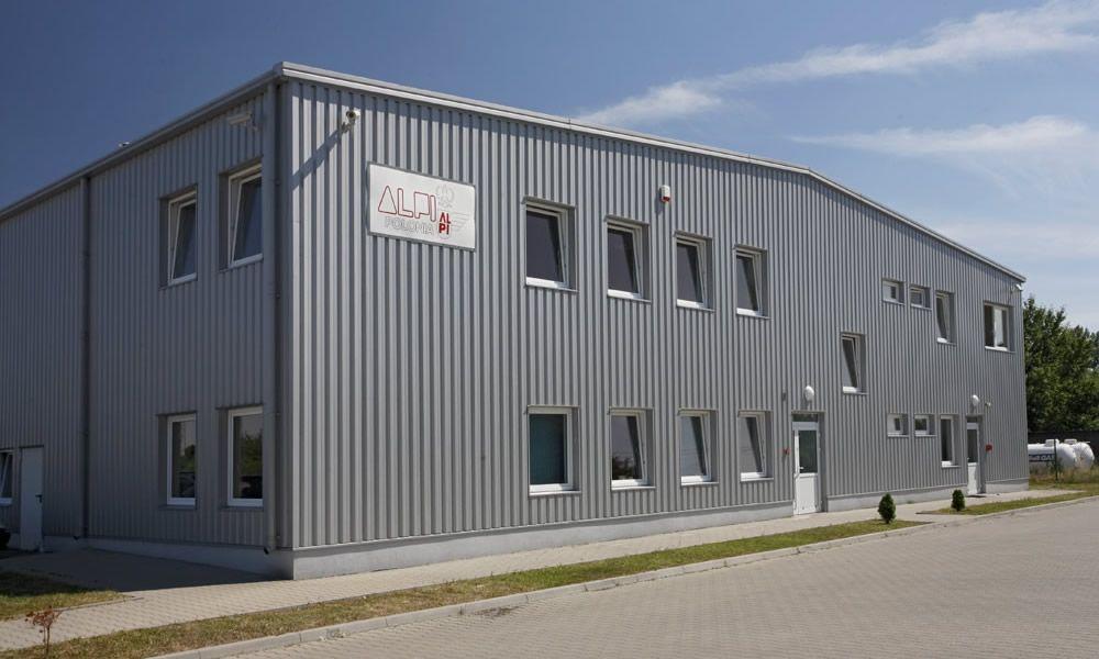 elewacja frontowa - hala produkcyjno-magazynowa z częścią biurową, dla AL.-PI Polonia, Stryków, woj. łódzkie