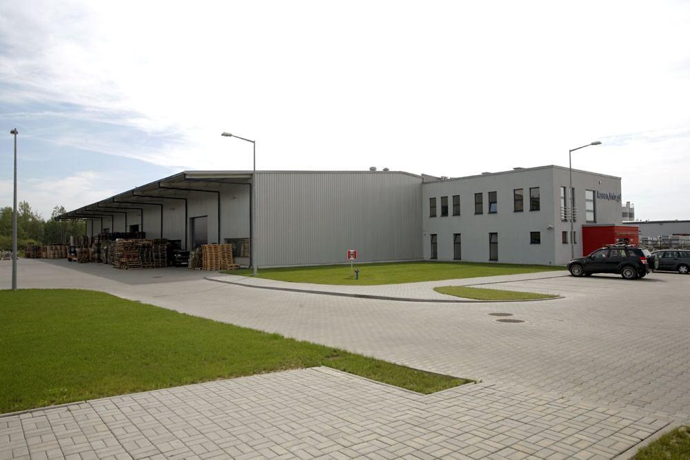 teren przed obiektem 1- hala produkcyjno-magazynowa, dla Karen, Czyżowice, woj. śląskie