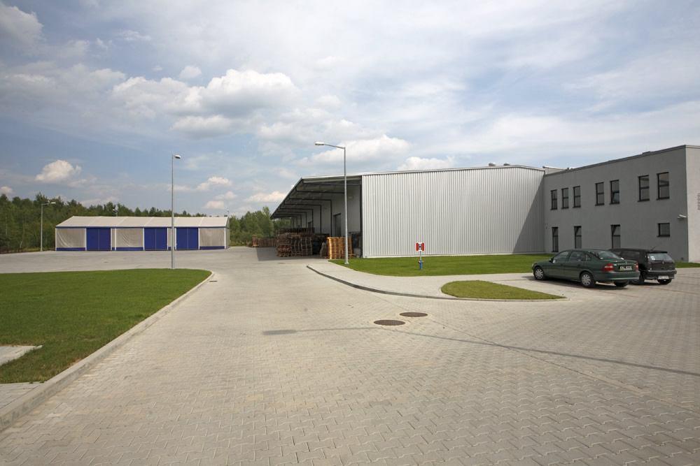 teren przed obiektem - hala produkcyjno-magazynowa, dla Karen, Czyżowice, woj. śląskie